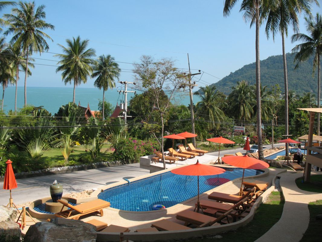 how to get to khanom thailand