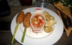 khanom-hill-restaurant-Zitronengrassstaengelchen-und-goldbeutelchen2
