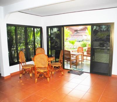 Eßzimmer mit Blick Terrasse